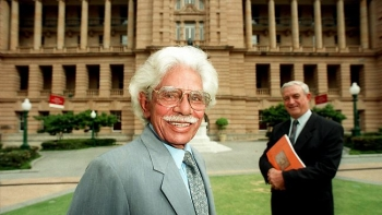 neville bonner australian of the year Aden ridgeway pays tribute to senator neville bonner  monday, 8 september  marked the 22nd anniversary of the maiden speech of the first indigenous  australian to take a seat in federal  he went to school for a year.